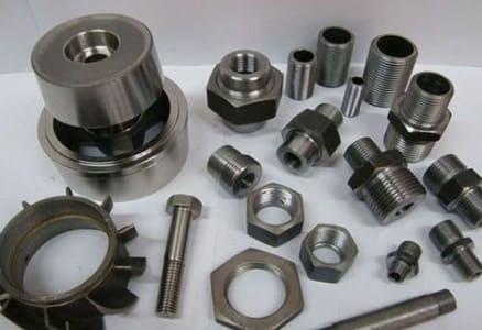 Запасные части и комплектующие для промышленного оборудования, к станкам, бензопилам