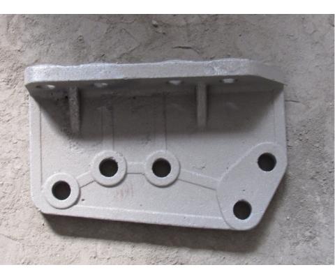 Кронштейн подвески правый  КДП-222 (отливка)